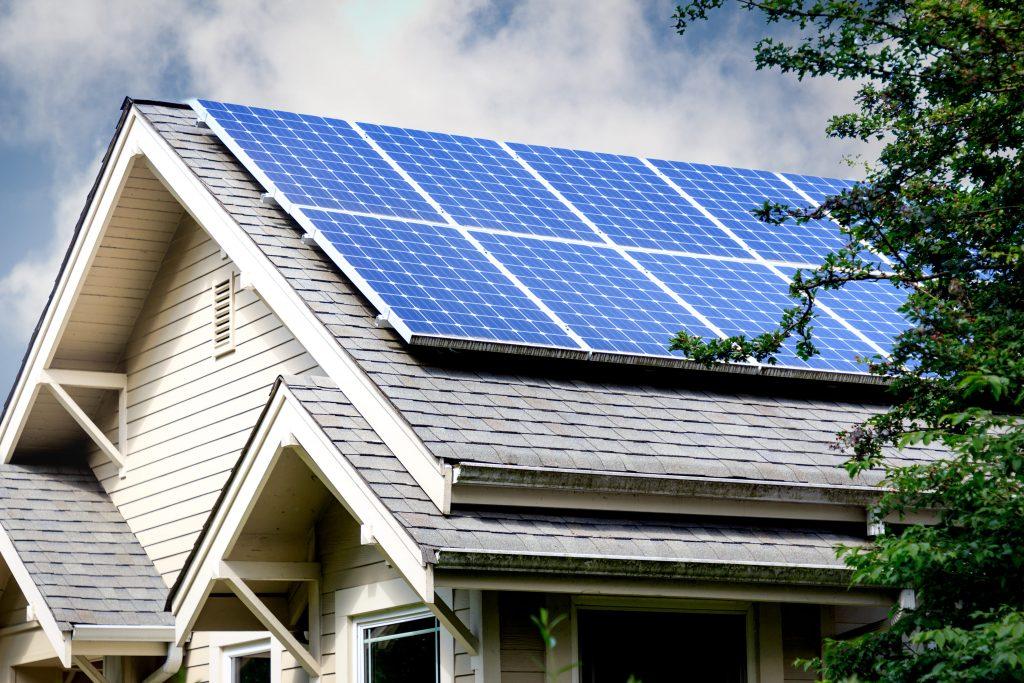 Produire sa propre électricité avec panneaux photovoltaïques